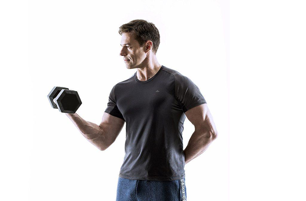 Levanta pesas despacio, consigue más músculo