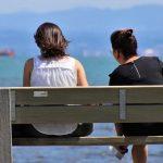 Por qué hablar con extraños es bueno para la salud